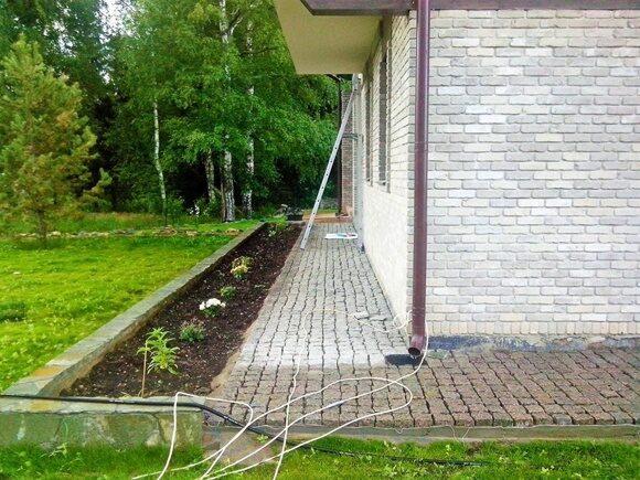 Облицовка бетонной отмостки